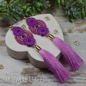 długie, eleganckie kolczyki chwosty w odcieniach lawendy, różu, fioletu