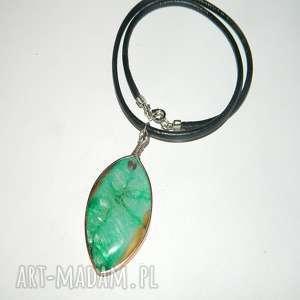 zielony agat -N30, wisior, agat, unikatowa-biżuteria, unikalny-wisior, metaloplastyka