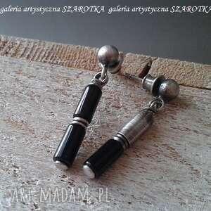 Szlachetnie urozmaicone kolczyki z onyksu i srebra szarotka
