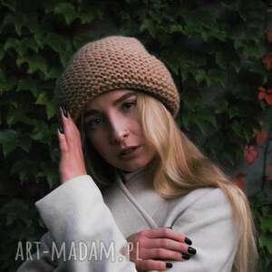 beżowa ciepła czapka, czapa, wywijana, modna, ciepła, miękka czapki