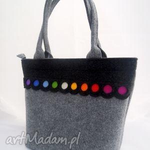 filcowa torebka - kuferek z kolorowymi kropkami, duża, kuferek, pojemny, kółka