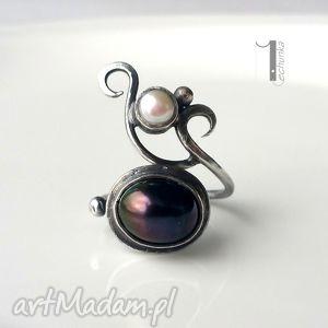 lucanus - srebrny pierścionek z perłami, srebro, perły, baśniowy, metaloplastyka