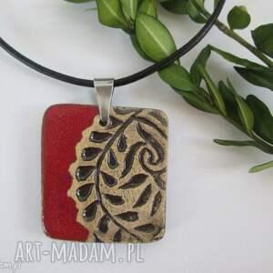 czerwony etniczny naszyjnik, etno, ceramiczny, z-gliny, gliniany