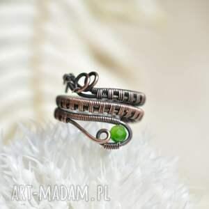 wąż - pierścionek spiralny z agatem zielonym, spiralny