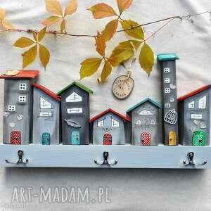 szare domki wieszak - no6, kolorowe domki, drewniany, do domu