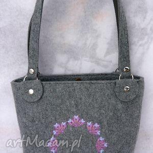 torba filcowa z haftem - koszyk, modna, ciekawa, elegancka