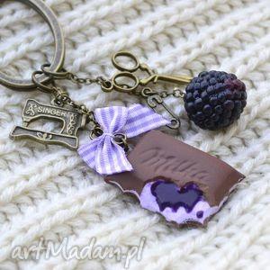Jesienna pokusa krawcowej , jeżyna, milka, czekolada, fimo, krawcowa, nożyczki