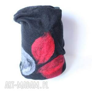 handmade wełniana czarna z kwiatem - wełniana, czapka, kwiaty, ludowa, etniczna