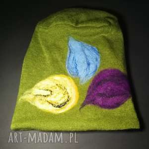 czapki czapka wełniana filcowana zielona zimowa handmade w kwiaty