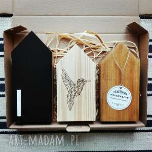 prezent na święta, 3 domki drewniane, domki, tablicowy, półka, domek