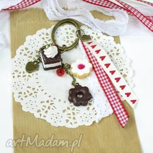 Walentynkowy breloczek, wz, tasiemka, ciastko, fimo, modelina, słodycze