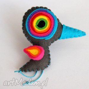 Ptaszek - broszka z filcu, filc, ptak, broszka, oko, biżuteria, kobieta