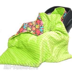 kocyk do fotelika nosidełka słoniki na brązie jasny zielony