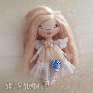 ręcznie robione dekoracje e-piet aniołek - dekoracja ścienna figurka tekstylna szyta
