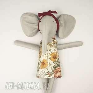 prezent na święta, lalka słonica helenka, lalka, przytulanka, ubranka dla lalki