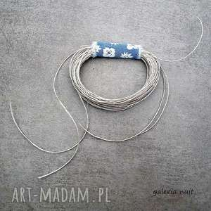 handmade broszki eko wheel - lniana broszka z niebieskim