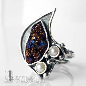 Invaerne I srebrny pierścionek z kwarcem tytanowym i perłą , metaloplastyka, kwarc
