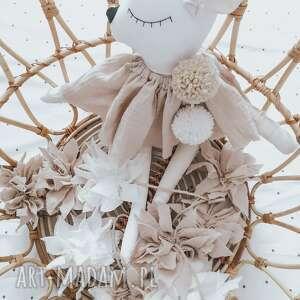 hand-made maskotki sarenka z haftem