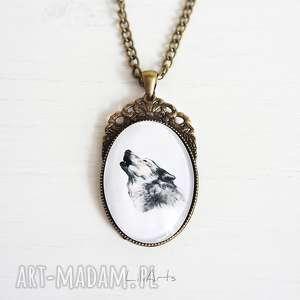 medalion, naszyjnik - wilk antyczny brąz, zdobiony, owalny
