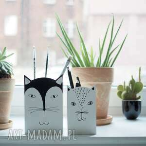 mały pojemnik na przybory - kot biały, pudełko kredki, kubek