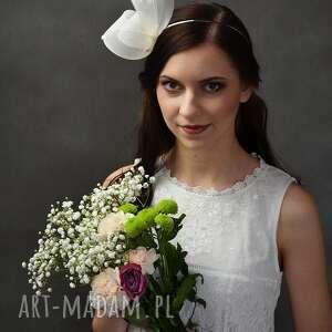 ślubny pomponik, ecru, ślub, wesele ozdoby do włosów
