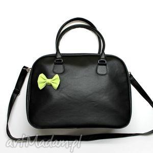 kuferek weekend - czarny i zielona kokardka, kufer, prezent, elegancka