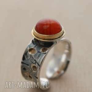 pierścionek srebrny z agatem złocony, pierścionek