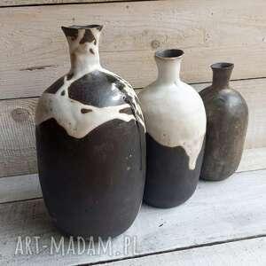 ręcznie robione ceramika zestaw trzech formowanych wazonów szamotowych