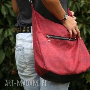 Czerwona torebka listonoszka na ramię, czerwona-torebka, torba-listonoszka