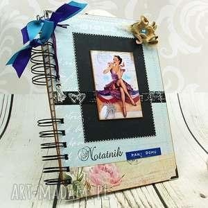 Notes Pani domu, notatnik, zeszyt, zapiśnik, pin, up