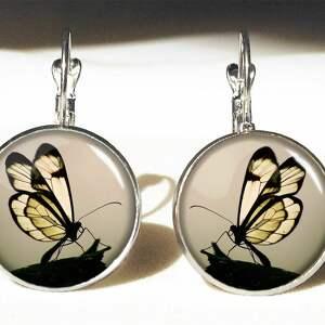 motyl w sepii - duże kolczyki wiszące - czarne kolczyki, prezent