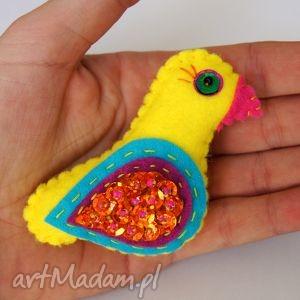 broszki ptaszyna - broszka z filcu, filc, ptak, cekiny, skrzydła, modny