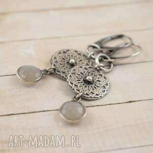 srebrne rozety z kamieniem księżycowym, kolczyki, rozety, rozeta, kamień