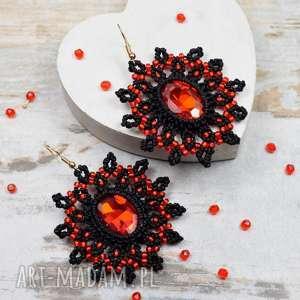 pomysł na prezent świąteczny eleganckie czarno czerwone kolczyki