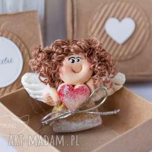 ręcznie wykonane scrapbooking kartki aniołek stróż z kartką w mini pudełeczku