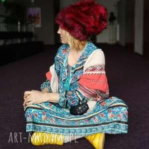 ręcznie zrobione czapki czapka futrzana zimowa ciepła handmade kolor bordo
