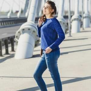 Niebieski, melanżowy sweter, bawełna, melanż, melanżowy-sweter