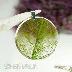 naszyjnik z prawdziwym liściem zatopionym w żywicy z1534, biżuteria