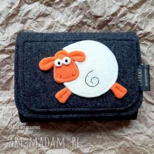 handmade portfele filcowy portfel z owieczka 002