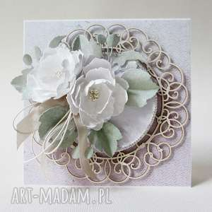 handmade scrapbooking kartki z kwiatami - w pudełku