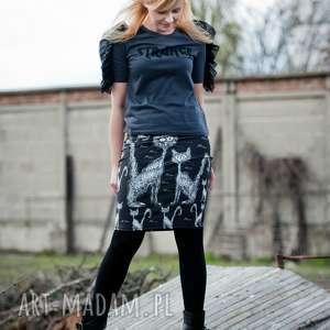 spódnica ołówkowa z autorskim wzorem, spódnica, koty, czerń, wygodna
