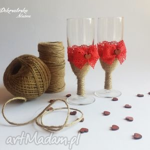 ślub zestaw dwóch kieliszków do szampana z czerwoną koronką, kieliszki