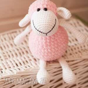 prezent na święta, owieczka matylda, owca, szydełkowa, maskotka