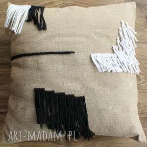 Niepowtarzalna poduszka lniana z oryginalnym wzorem poduszki