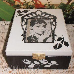 herbaciarka audrey hepburn, pudełko, herbaciarka, szkatułka, prezent