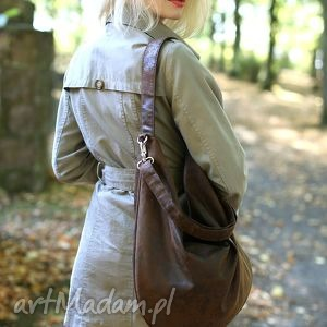 Brązowa torba worek z zamszu ekologicznego do noszenia na ramieniu lub skos,