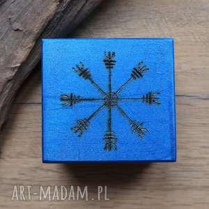 ręcznie malowane drewniane pudełko aegishjalmur - niebieskie - aegishjalmur