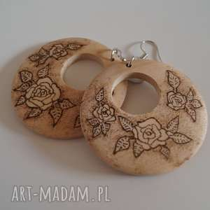 róże w sepii - drewniane kolczyki ręcznie wypalane - brązowe