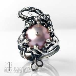 pierścionki staminibus i srebrny pierścionek z perłą, srebro, perła, wirewrapping