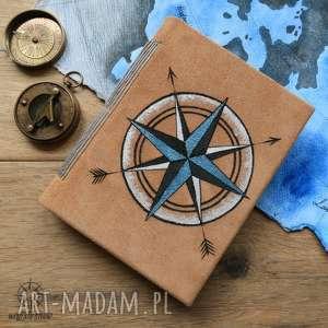 notes a6 ze skórzaną twardą okładką i elastycznym grzbietem - strzały kompas